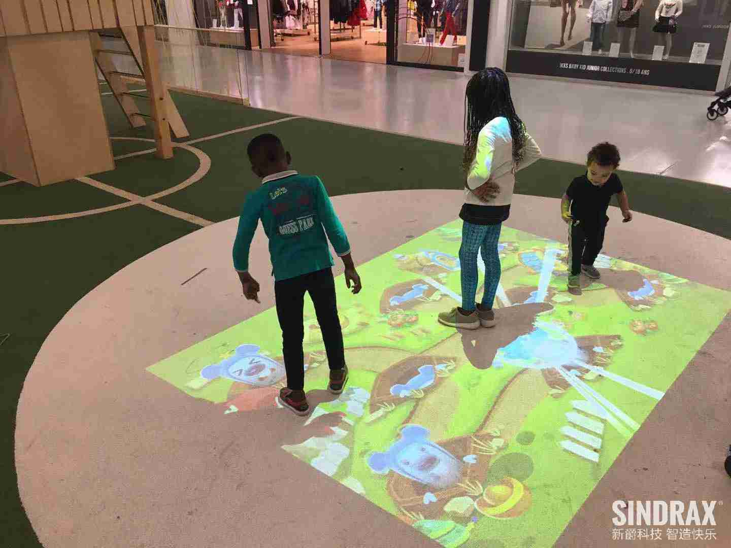 Paris Shopping Mall Interactive Zone